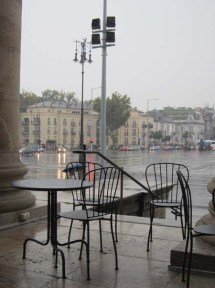 Rain cafe Heroes' Square Hősök tere Budapest | Bean Abroad Travel Blog